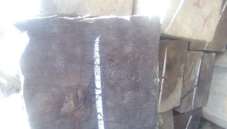 বান্দরবানে বিপুল পরিমাণ চোরাই কাঠ জব্দ