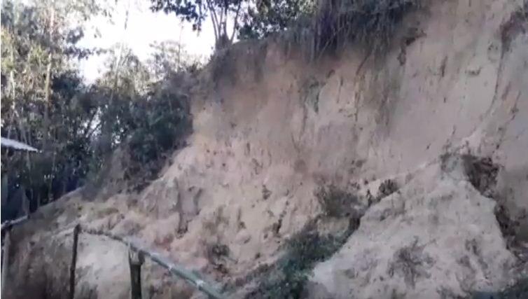 রাঙ্গুনিয়ায় পাহাড় ধসে শিশুসহ তিন জন নিহত